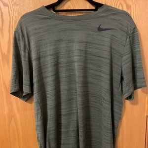 Nike dri fit t shirt L